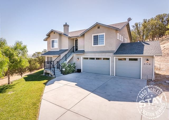 Villa Robles--Incredible Views Minutes from Heart of Downtown Paso Robles! - Image 1 - Paso Robles - rentals