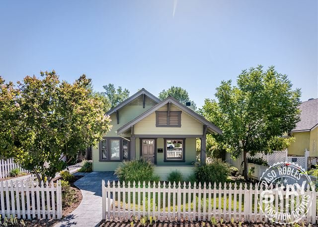 Bungalow on Vine--Delightful Home in Perfect Downtown Location - Image 1 - Paso Robles - rentals