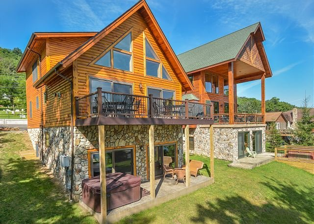 Exterior - Stunning newly bulit log home offers phenomenal lake front! - Oakland - rentals