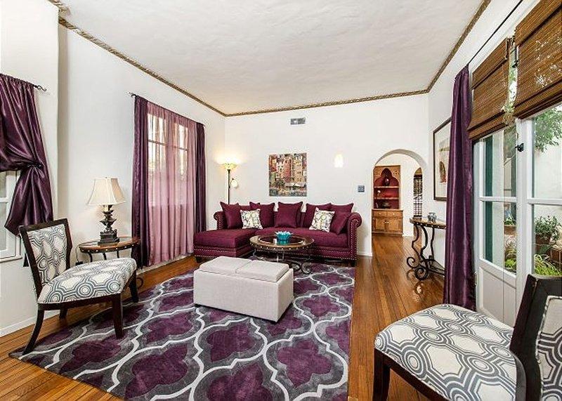 Furnished 1-Bedroom Apartment at Highland Ave & Franklin Ave Los Angeles - Image 1 - Los Angeles - rentals