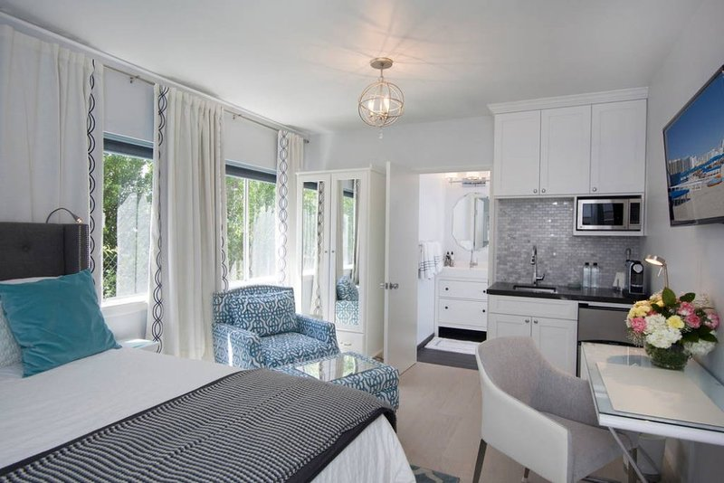 Furnished Studio Apartment at 6th St & Pacific St Santa Monica - Image 1 - Santa Monica - rentals