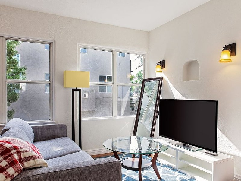 Central to Everything LA - 1 Bedroom, 1 Bathroom Apartment - Image 1 - West Hollywood - rentals