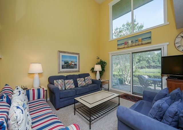 Living Area - 258 Stoney Creek. Lovely 3 Bedroom Townhouse in Harbour Town - Hilton Head - rentals