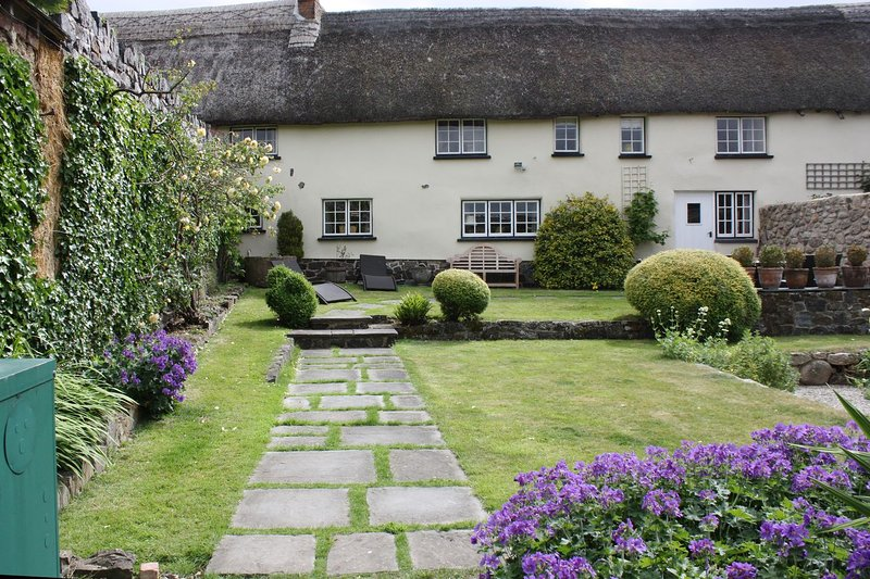 Michaelmas Cottage - Image 1 - Drewsteignton - rentals