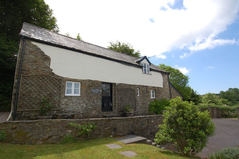 Lower Well Cottage - Image 1 - Wrangaton - rentals