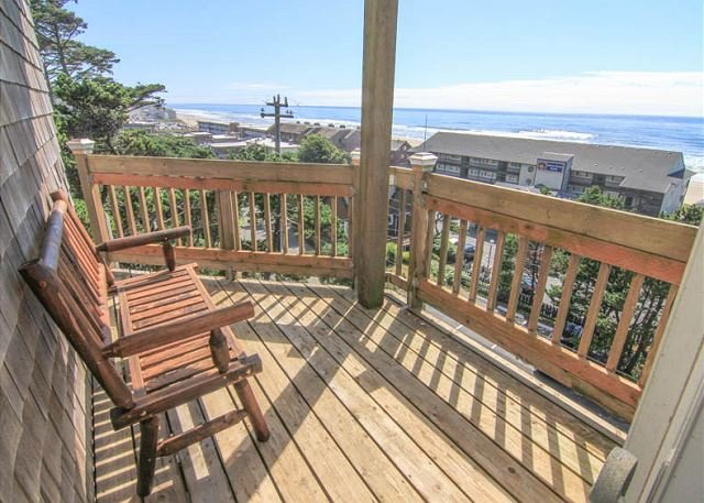 Panoramic Views and Steps Away to Kyllos and Beach Access! - Image 1 - Lincoln City - rentals