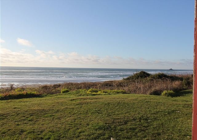 Classic, Ocean Front Beach Cottage in Roads End. Just Steps From the Sand - Image 1 - Lincoln City - rentals
