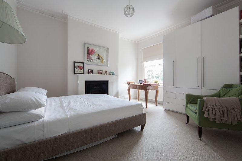 One Fine Stay - Luxemburg Gardens - Image 1 - London - rentals
