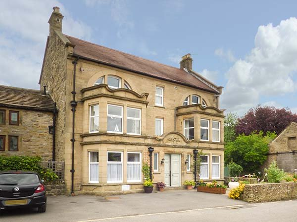 OLD OAK APARTMENT, duplex apartment, WiFi, great for touring, in Eyam, Ref 937042 - Image 1 - Eyam - rentals