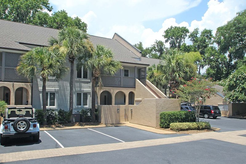 Colonnade Club, 177 - Image 1 - Hilton Head - rentals
