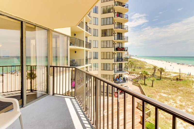 Romantic beachfront getaway w/ocean views, pool access, tennis courts - Image 1 - World - rentals