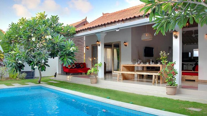 Side-front view - Spacious, Modern, Luxurious Seminyak Villa w Pool - Seminyak - rentals
