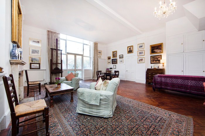 Bright and spacious artist home with one bedroom, and huge courtyard garden in a quiet corner of South Kensington - Image 1 - World - rentals