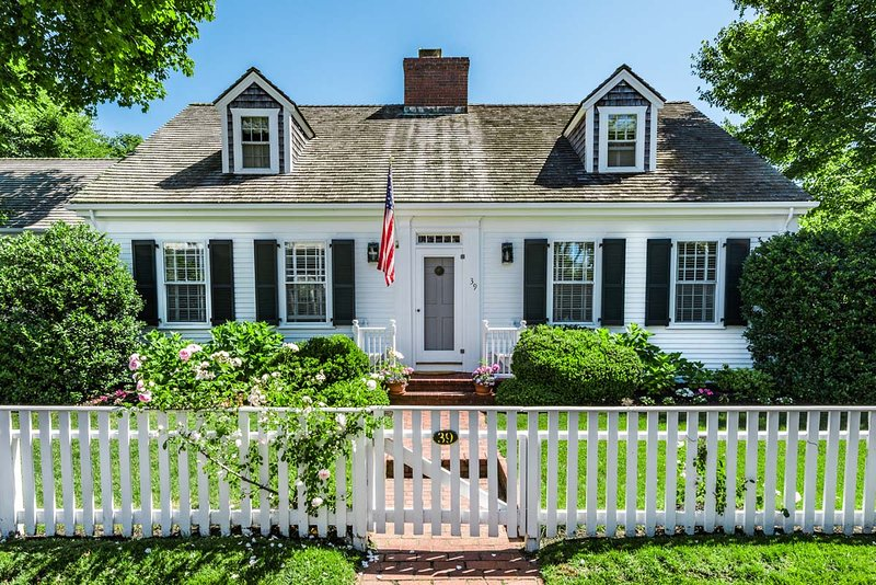 ZENKA - Beautiful  Edgartown Village Home, 3 minute walk to Fuller Street Beach - Image 1 - Chappaquiddick - rentals