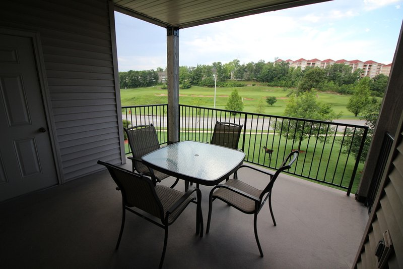 Branson Condo Rental | Thousand Hills | Pool | Hot Tub | Elevator | Golf Views (0711903) - Image 1 - Branson - rentals