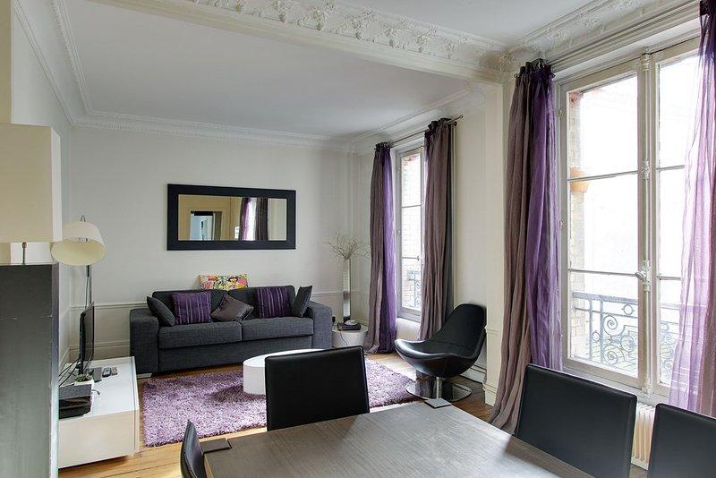 Refined One Bedroom Vaugirard - Image 1 - Paris - rentals
