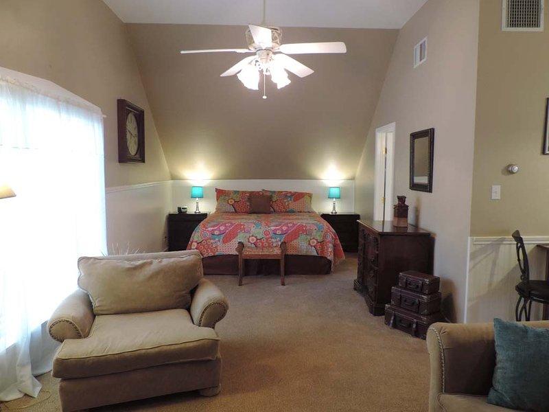 The Town Creek Warren - Suite B - Image 1 - Luckenbach - rentals