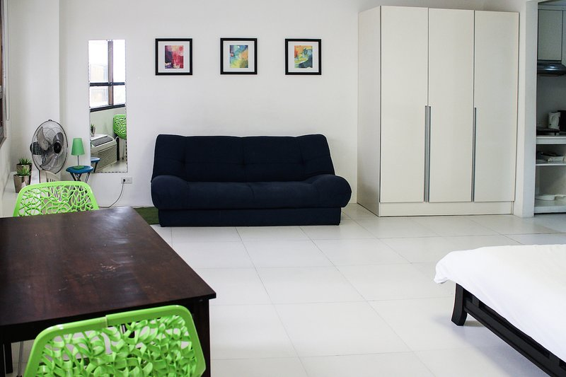 Cozy condo in Fort BGC - ICON A - Image 1 - Taguig City - rentals