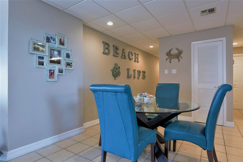Bayfront, docks, boatslips and views! - Image 1 - South Padre Island - rentals