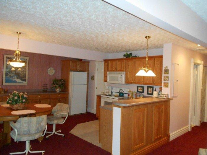 Kitchen Dining - 067-2 - Bronston - rentals