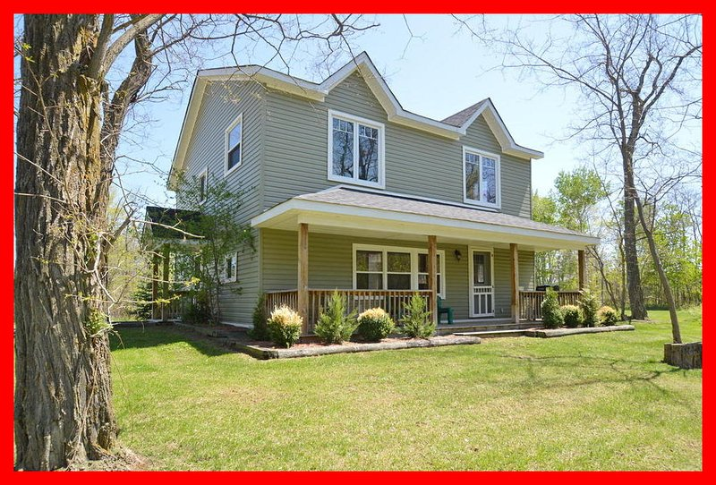 5 Bed Blue Mountain Cottage with Hot Tub #247 - Image 1 - Blue Mountains - rentals