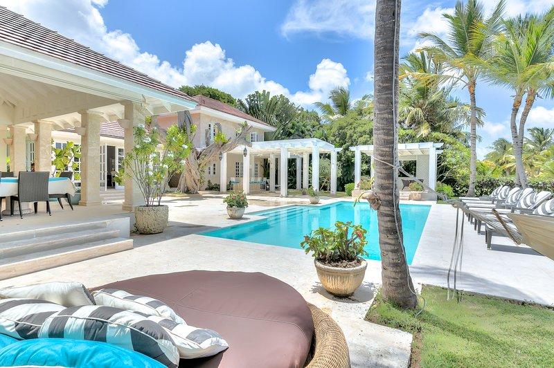 Wide golf view 5 Bedroom Villa near beach - Image 1 - Punta Cana - rentals