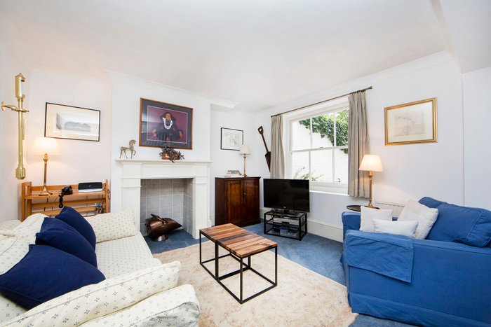 Minimum stay 90 days. Traditional 1 bedroom apartment with garden- - Image 1 - London - rentals
