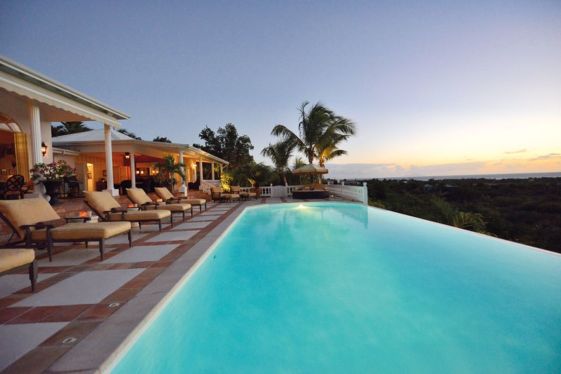 Colonial 4-bedroom luxury villa walking distance from beach - Image 1 - Terres Basses - rentals