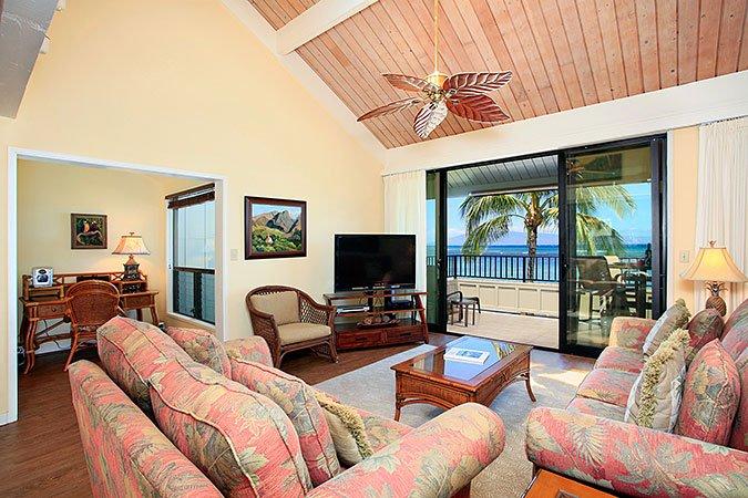Unit 22 Ocean Front Prime Luxury 2 Bedroom Condo - Image 1 - Lahaina - rentals
