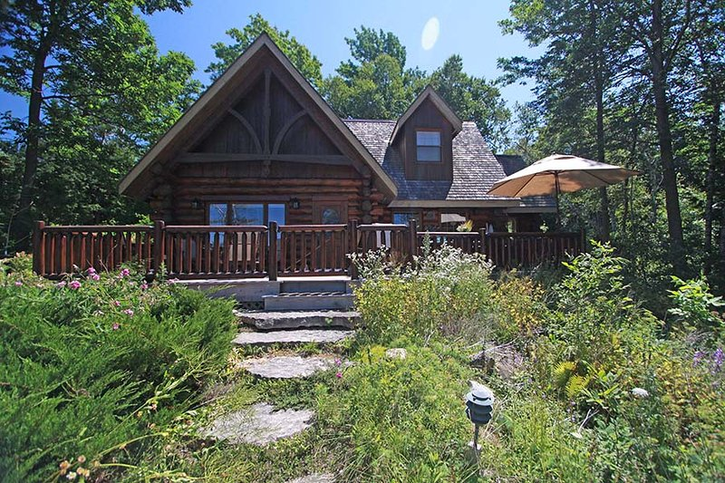 Paradise Cove Cottage (#1101) - Image 1 - Port Elgin - rentals
