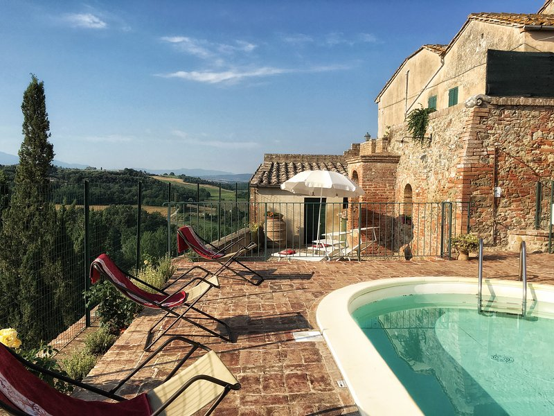 FENCED POOL - 3BDR Cozy countryside house: small pool,AC WiFi - Siena - rentals