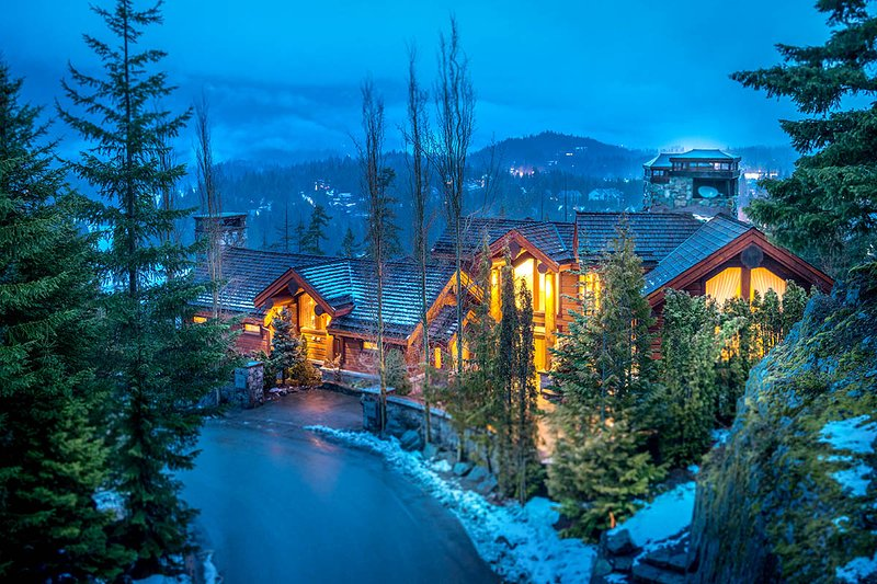 The Villa, Sleeps 15 - Image 1 - Whistler - rentals