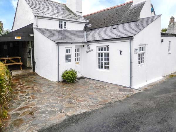 LABURNUM COTTAGE, pet-friendly character cottage, WiFi, garden, Trewint near - Image 1 - Altarnun - rentals