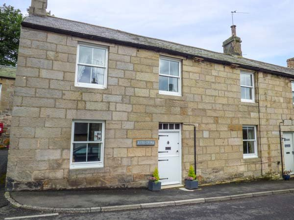 BOTTLE COTTAGE, semi-detached, pet-friendly, walks from the door, near Alwinton, Ref 941013 - Image 1 - Alwinton - rentals