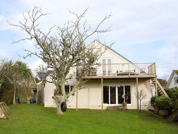SUMMERFIELD HOUSE, spacious house, balcony, good touring base, pet-friendly, in Gorran Haven Ref 936577 - Image 1 - Gorran Haven - rentals