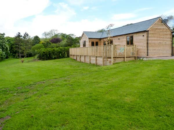 MARWELL LODGE, detached lodge, ground floor, iPod dock, enclosed garden, near sandy beaches, in Ringmore, Ref 942752 - Image 1 - Ringmore - rentals