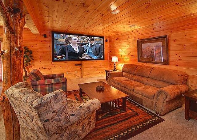3 Bedroom Luxury Gatlinburg Cabin with 9 Foot Theater Screen - Image 1 - Gatlinburg - rentals