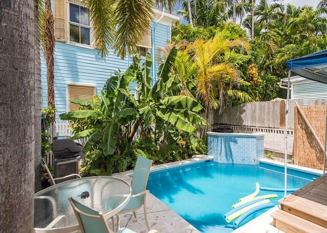 Poolside Suite - A Few Steps To Duval St! Pvt Parking & Shared Pool! - Image 1 - Key West - rentals