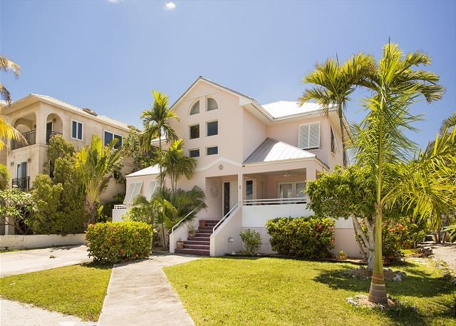 28 night minimum stay requirement 4 Bed 3 Bath house on water in Key Haven - Image 1 - Key West - rentals