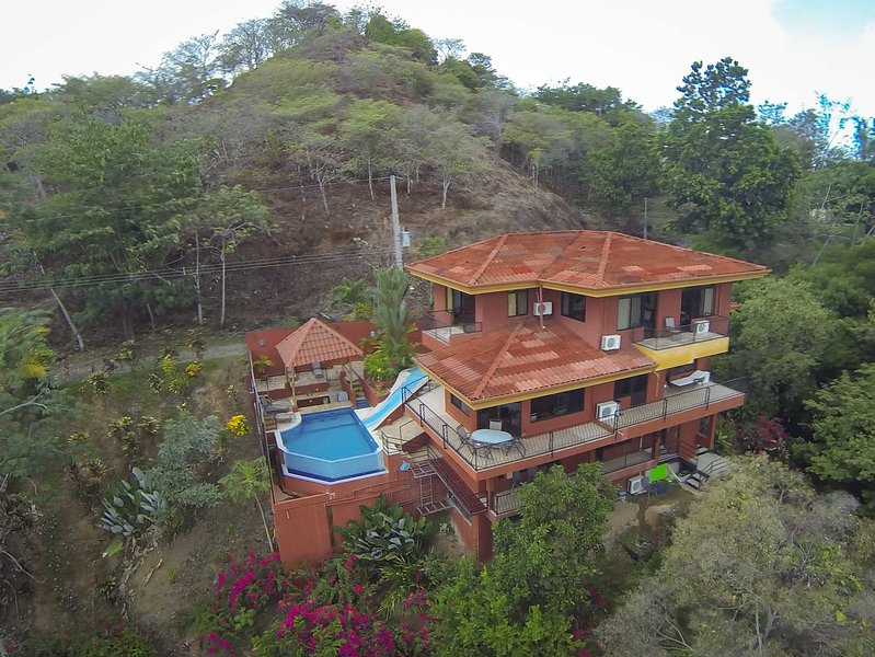 Casa Mirador - Pool w/ Water Slide & Swim up Bar - Image 1 - Manuel Antonio National Park - rentals