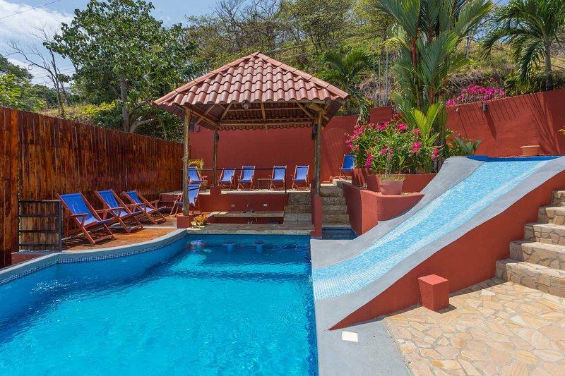 Casa Mirador - Pool w/ Water Slide & Swim up Bar - Image 1 - Manuel Antonio National Park - rentals