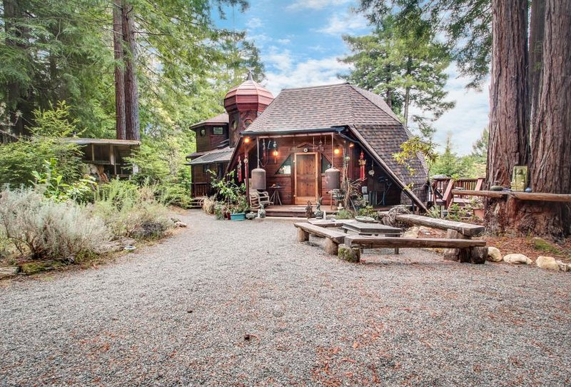 Whimsical, unique cottage  - unplug & get away from it all! - Image 1 - Mendocino - rentals