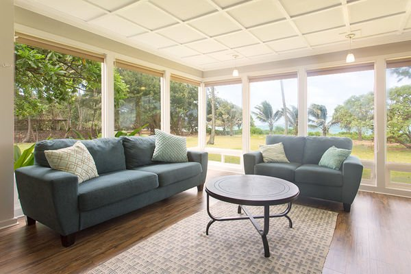 Master Bedroom Seating Area - Hale Kekela Nui-6 BR,BeachFront, Gameroom Specials - Laie - rentals