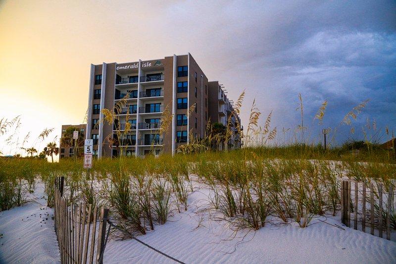 We are in the Emerald Isle Club...right on the beach! - Gorgeous Gulf View 3BR Condo near Destin FL - Fort Walton Beach - rentals