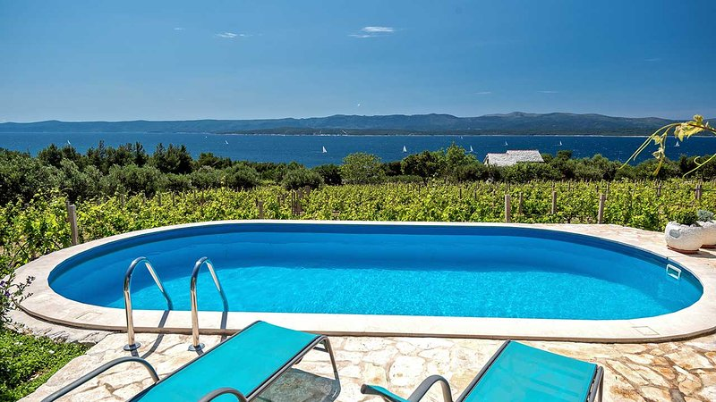 Seaview house for rent near beach, Bol, Brac - Image 1 - Bol - rentals