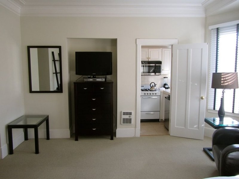 Simple Yet Comfortable Studio Apartment - Utilities Included - Image 1 - San Francisco - rentals