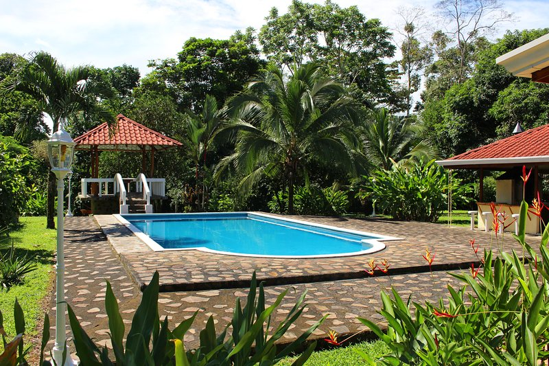 Emerald Estate: aptly named due to the lush greens throughout this gem of a property! - CDCR - The Emerald Estate 50% DISCOUNT Sept-Dec 14 - La Fortuna de San Carlos - rentals