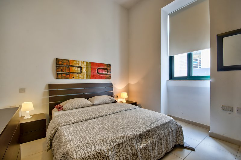 Stylish Sliema 1-bedroom Apartment - Image 1 - Sliema - rentals
