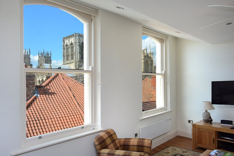 Living room with view to York Minster - Luxury apartment in city center, Minster view - York - rentals