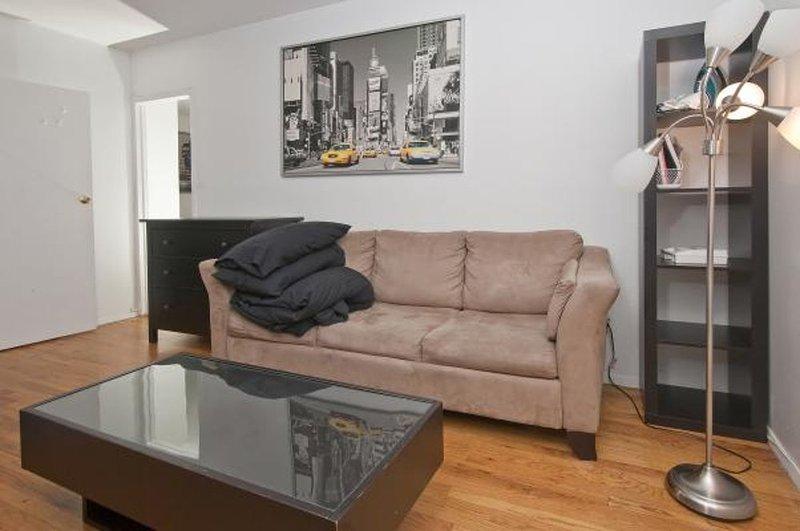 Beautiful 2 Bed Apartment - Image 1 - New York City - rentals